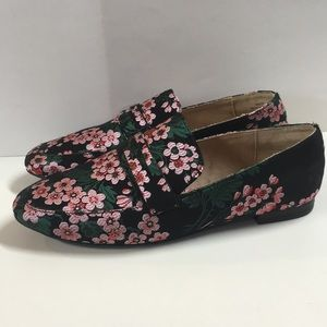Mix No. 6 Flats Gazzi Flower Loafer Slip on Size 7